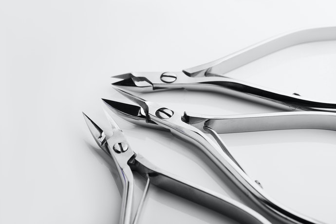 Top 10 Best Nail Pliers To Buy In 2020 (World, Tramontina And More)